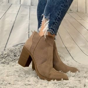 Dolce Vita Brown Ankle bootie